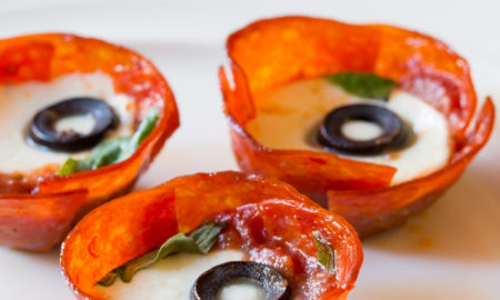 spicy low carb pepperoni pizza cups